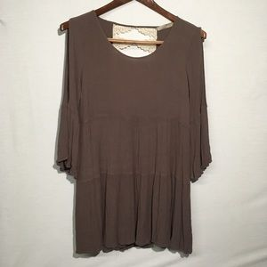 entro tunic/dress bell sleeve cold shoulder Size M